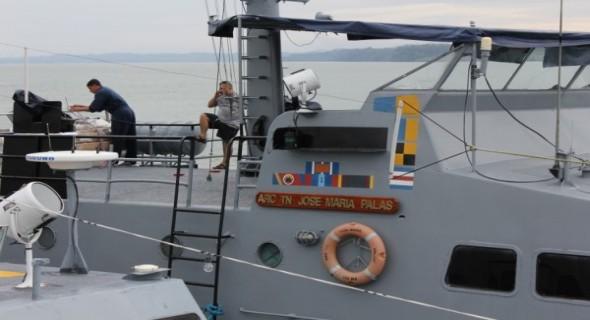 HK0NA-boat